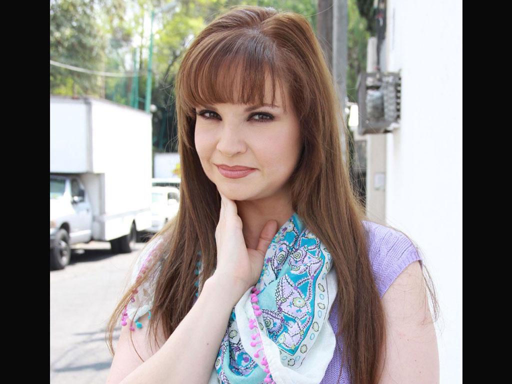 "Ana Patricia Rojo horacio pancheri and paulina goto protagonists of ""un camion"