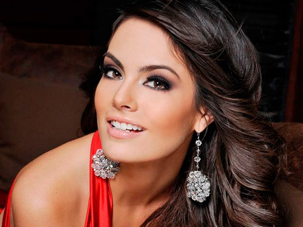 Ximena Navarrete and Juan Carlos Valladares Revealed More ...  Ximena Navarret...