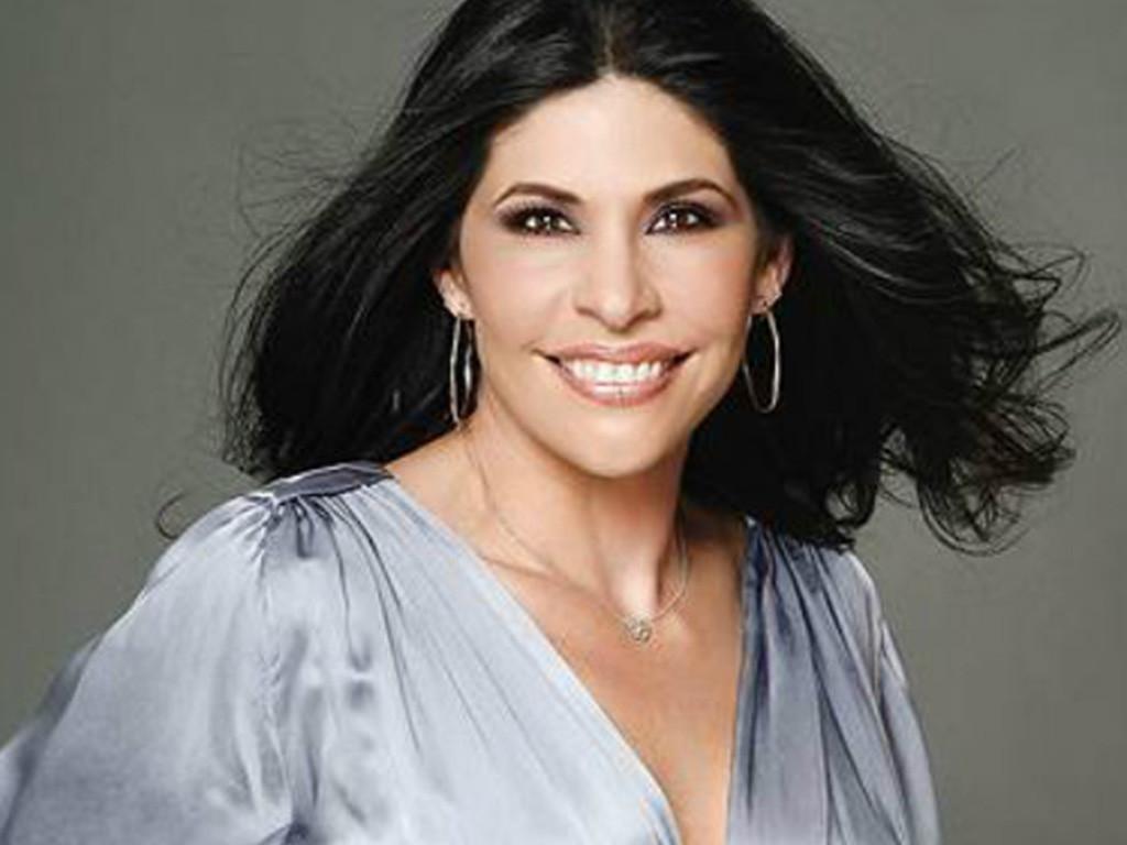 Raquel Garza as Adela de Segura