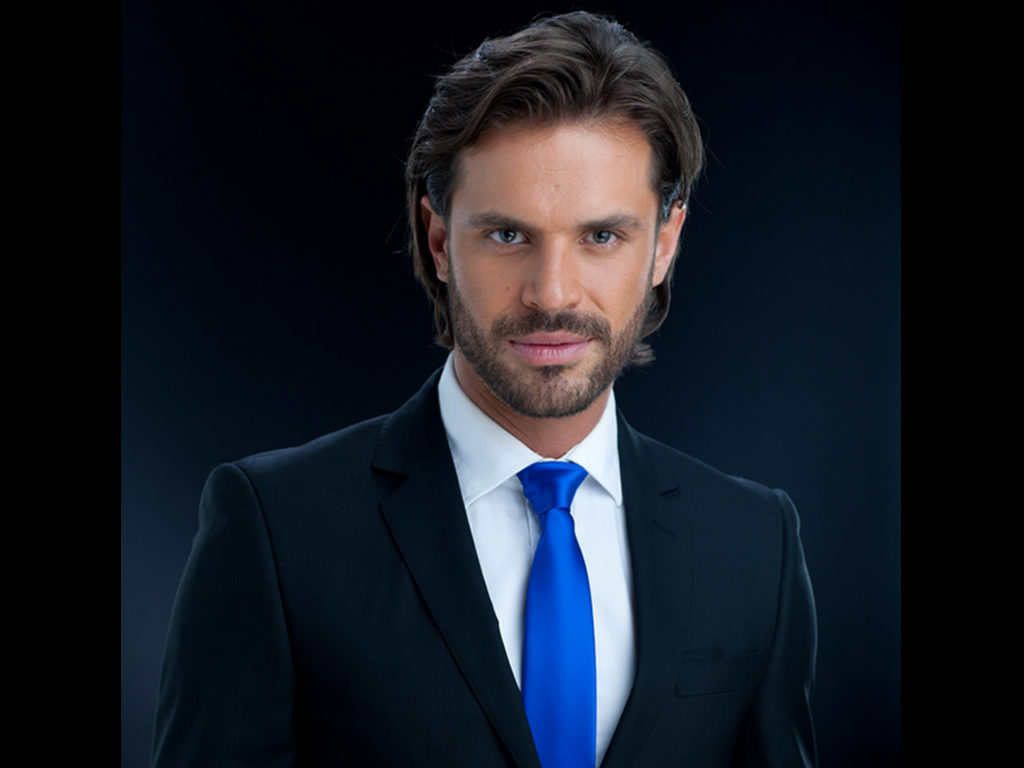 Mark Tacher as Mateo López Guerra Fuentes